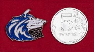 Значок университетских спортивных команд Сиэтла Washington Huskies