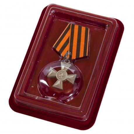 Знак 200-летие Георгиевского креста в бархатистом футляре с покрытием из флока