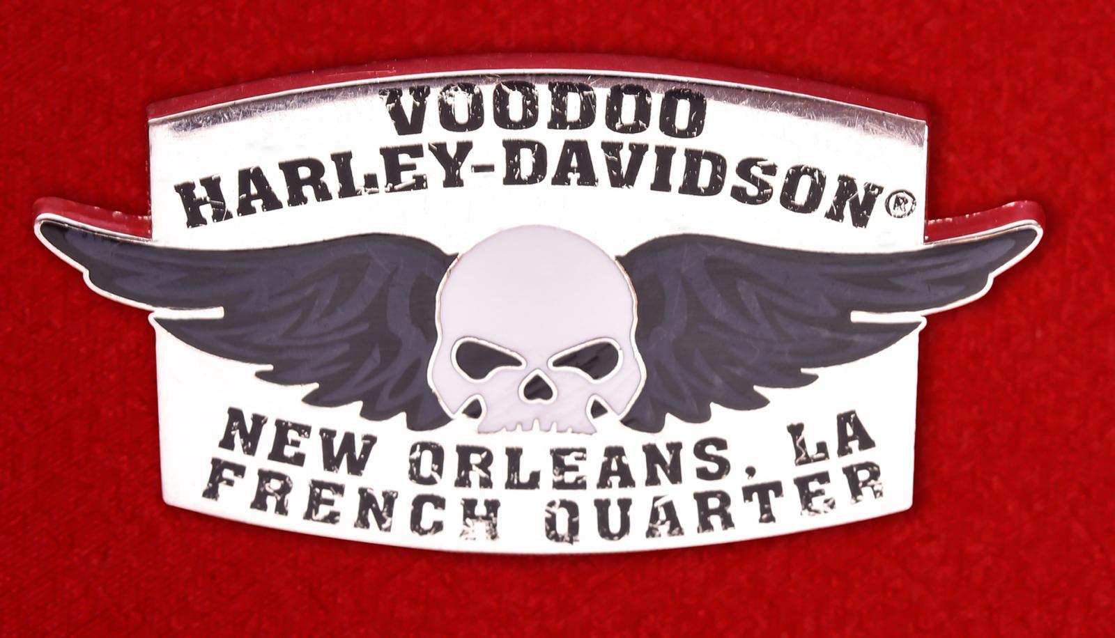 """Знак байкеров Нового Орлеана """"Харлей-Дэвидсон"""" с черепом"""