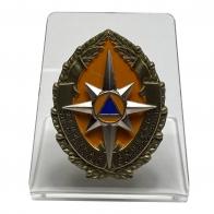 Знак Отличника спасательных воинских формирований МЧС на подставке