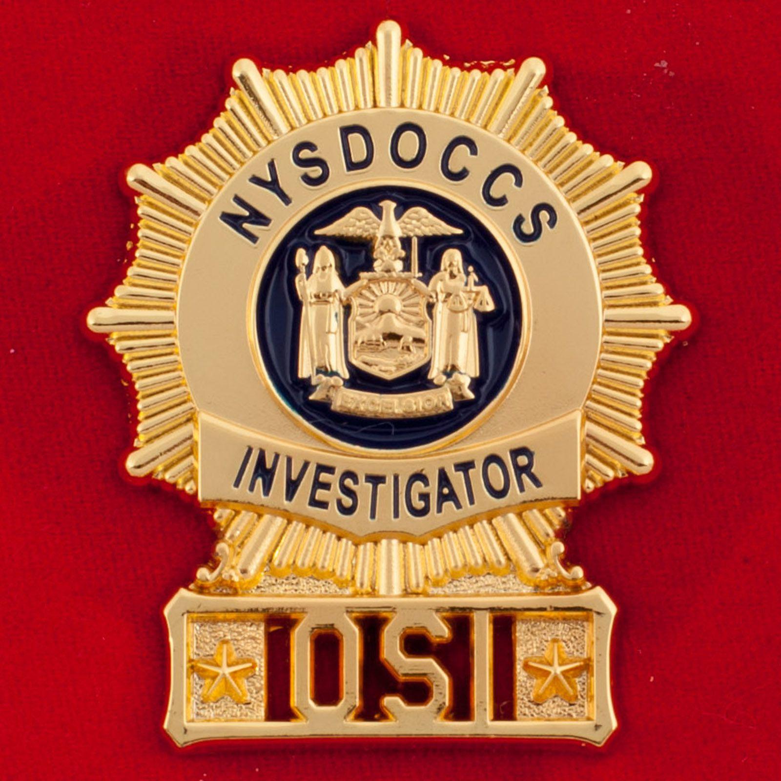 """Знак """"Следователь Государственного Департамента исправительных учреждений и сообщества надзора Нью-Йорка"""""""