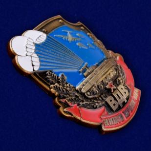 Знак воздушного десанта в нарядном бархатистом футляре из флока - общий вид